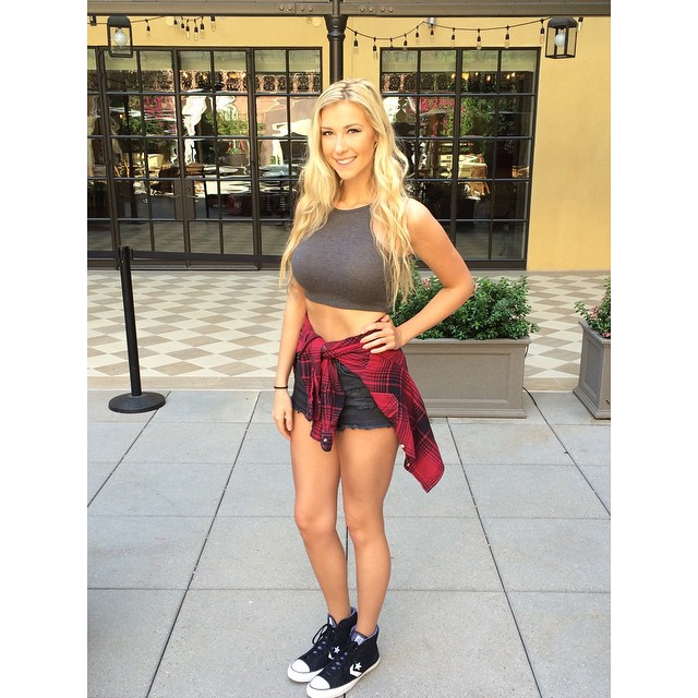 Noelle Foley model