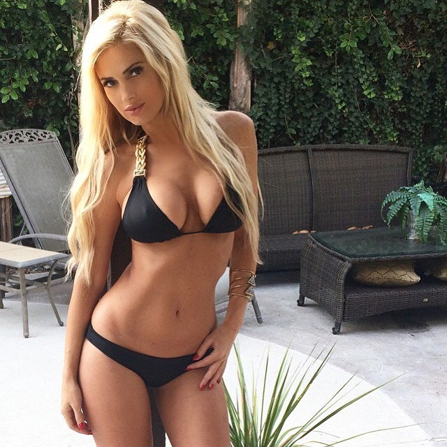 Leanna Bartlett topeless