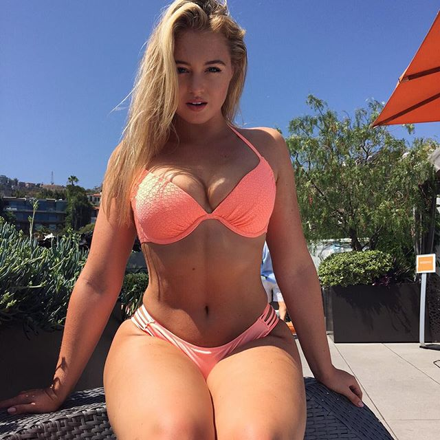 Iskra Lawrence snapchat hot