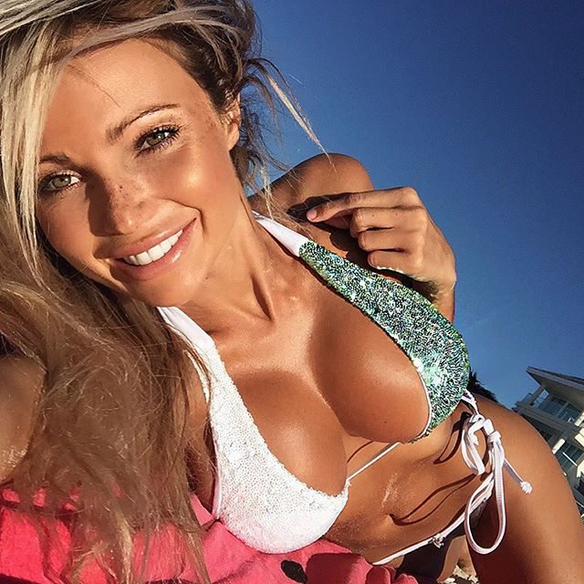 Abby Dowse topeless