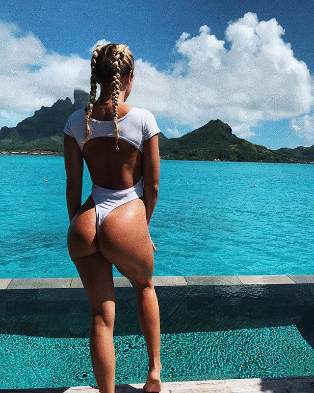 Tammy Hembrow ass