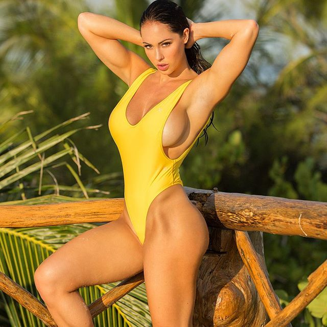 Hope Beel naked
