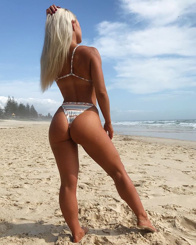 Allie Auton ass