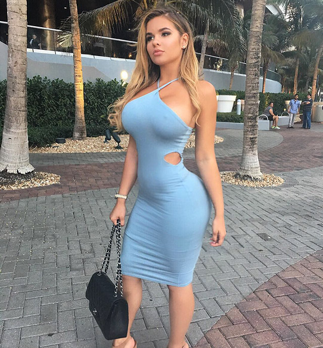 sexy curvy girls